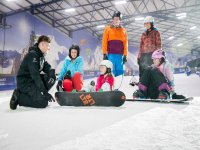 Lessons for groups in Snowdome Snowboarding