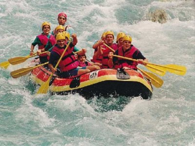 Active Stirling Rafting
