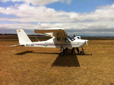 Light aircraft flight from Olocau, 1 hour