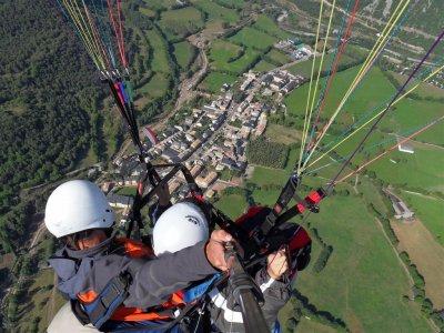 Paraglider flight in Castejón with video & photos