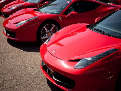 Drive a Ferrari in Burgos for 7 km on road