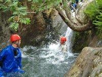 Enjoy canyoning and its plunge pools