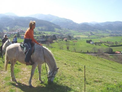 1 hour of Horse riding beside the sea in Lamuño