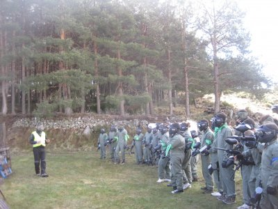 Bachelor party: paintball + activities