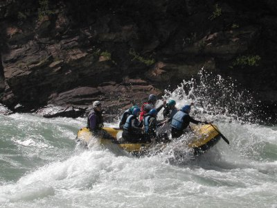 Rafting on Gállego River. Families only