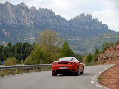 Montserrat tour in luxurious car 90 km