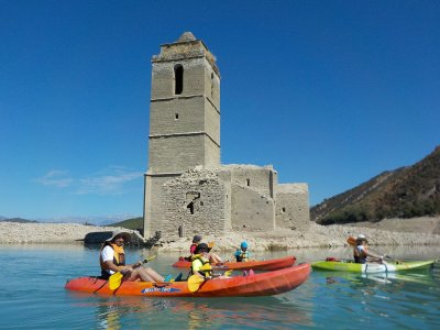 Kayaking and Ravine in Huesca 1 day