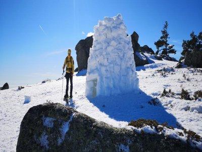 Snowshoes, igloos and sleigh Navacerrada