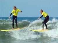 Enjoy surfing with friends