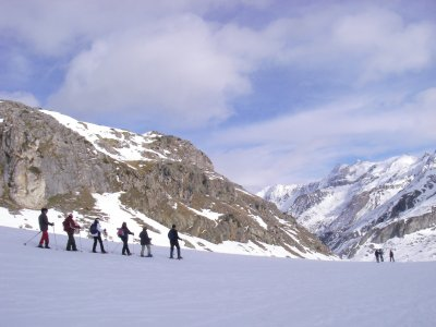 Easy level snowshoes tour half day Formigal