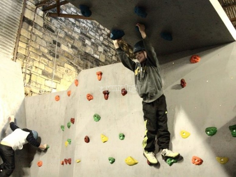 Bouldering in a safe way