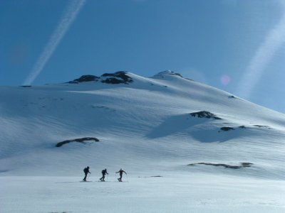 Starting Off-Piste Skiing Route