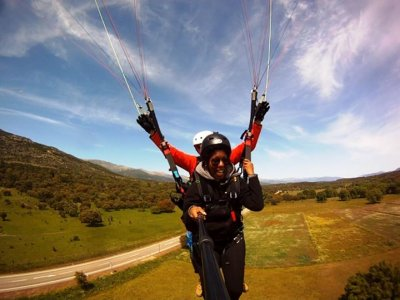 15-30 Min Acrobatic Paraglide Flight in Madrid