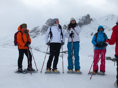 Snowshoes and 1 night stay half board in Canfranc