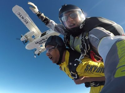 Tandem Free-Fall Jump in Seville 3000 metres
