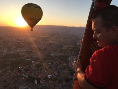 Balloon flight in Segovia + breakfast and DVD