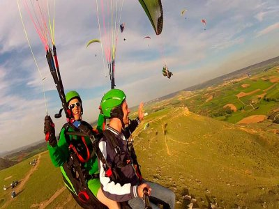 Special offer: 15 min paragliding in Madrid