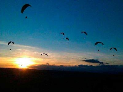 15min paragliding in La Muela + acrobatics & video