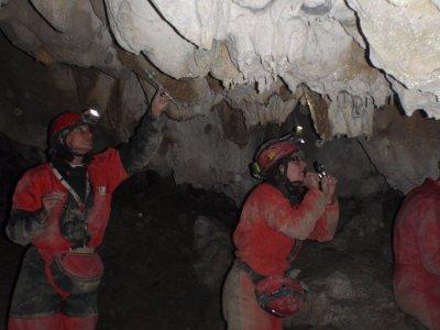 Easy Level Caving in Iguaran, Sierra de Entzia