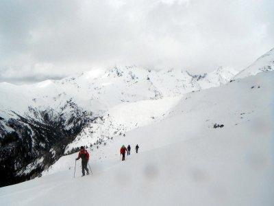 4-hour snowshoeing walk in Ordesa