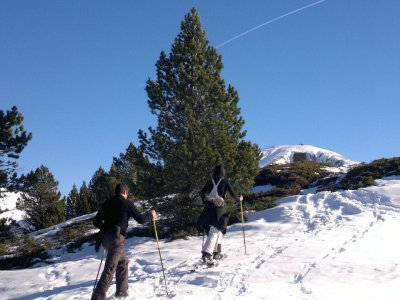 1 day outing with snow shows in Benasque