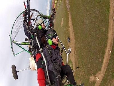 25-min Paragliding + Acrobatics & Video Madrid