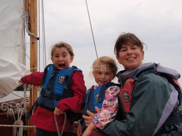The perfect family day out sailing