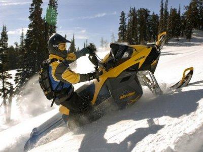 Viaje en moto Motos de Nieve