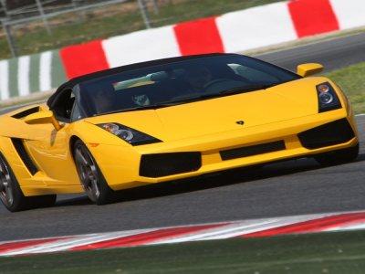 Drive a Lamborghini Gallardo in Montmeló