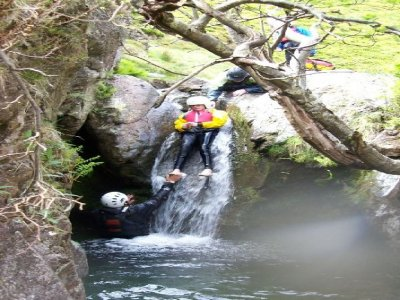 Zenith Leisure Outdoor Adventure Ltd Canyoning