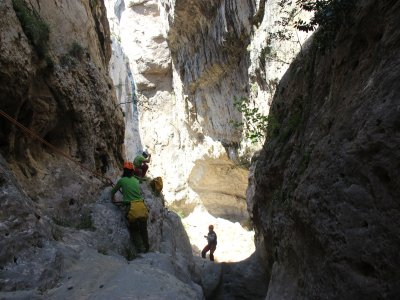 Dry canyoning descent route in Utrillas, Teruel