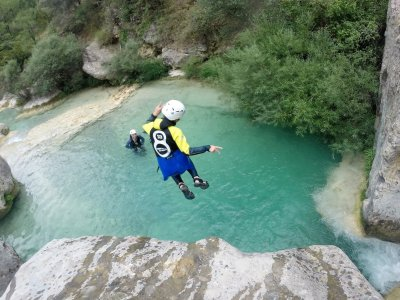 Canyoning initiation with photos in Organyà