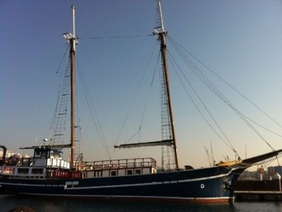 Rent a schooner for 1 day, low season