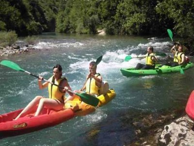 Canoe-raft descent on Ebro or Cares, 2 h
