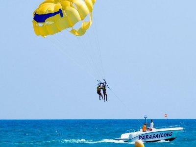 Parasailing in bech of Pineda de Mar, 15 minutes