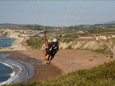 20 min paragliding in Asturias + video
