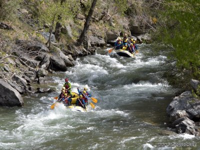 Rafting 1 hotel night + 1 activity to choose HS
