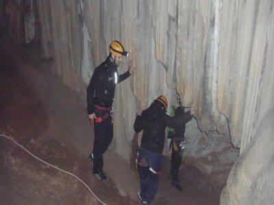 Initiatory horizontal caving, Benitandús