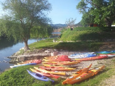 Kayak rental in the calm waters of the Ebro
