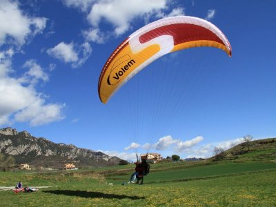 Introductory Paragliding Course Barcelona