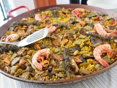 Gastronomic outdoor game: cook a paella, Madrid