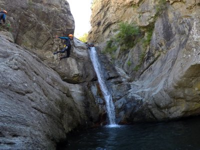 Canyoning in Les Anelles medium level 4 hours