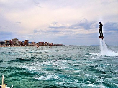 Flyboarding in Playa de Denia 15 min.