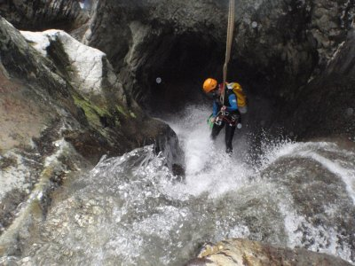Medium-level ravine in Fago, 2-4 h