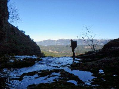 Trekking towards Mundo river spring