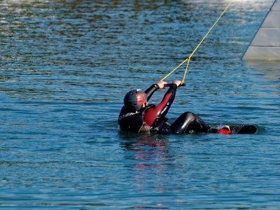 Waterskiing in Llanes, 15 Minutes
