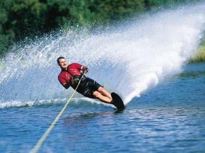Water skiing in Marbella 1 hour