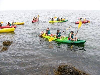 Pirogue rental in Rianxo beach for 3 hours