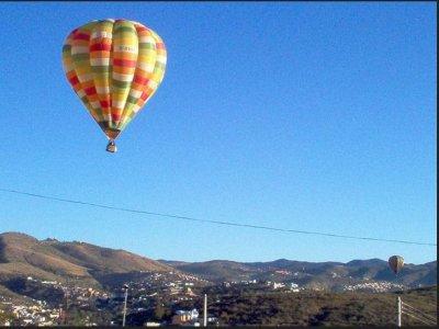 Hot air balloon ride Granada +breakfast companies