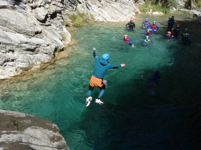 Canyoning for Companies in the Río Noguera